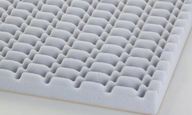 Ses kalitesini yüksek düzeyde tutmak ve bozulmasına engel olmak amacıyla kullanılan basotect spesiyal sünger melamin köpükten üretilmektedir